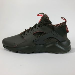 NIKE-AIR-HUARACHE-RUN-ULTRA-SE 875841-301